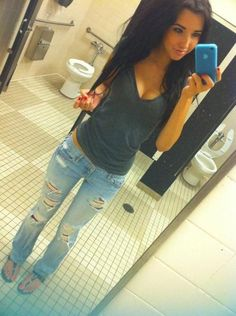 #Summer Outfit - Ripped Jeans, Black T-Shirt, #Sandals