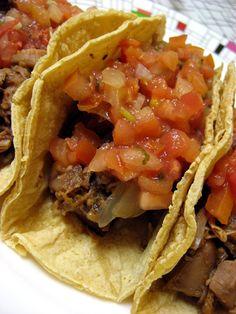 vegan jackfruit 'carnitas' tacos - slowcooker recipe.