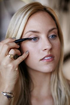 4 DIY eyeliner looks that will make your eyes pop! easier refinery29, sephora, eyelin tutori, liquid liner, black liquid, beauti, diy eyelin, live easier, thin black