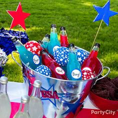 Stars-spangled balloon ice! Fill red and white star-printed balloons halfway with water and freeze the night before the party. fourth, juli parti, firework, juli idea, ideas party, kid parties, parti idea, balloon ice