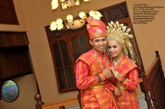 Foto Wedding Baju Adat Pernikahan Melayu di Pekanbaru Riau by Poetrafoto Photography Indonesia