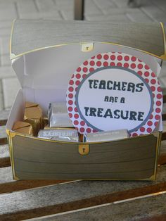 Teacher Gift ~ fill printable treasure chests with Hershey Nuggets plus add the cute printable tag