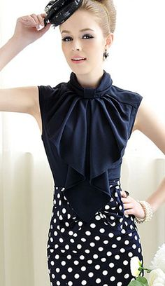 Bey Blouse - LOVE the tiny baret!