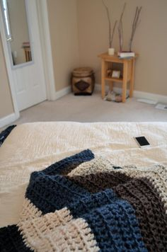 chunky crochet blanket. only takes a day to make! || http://withaudrey.blogspot.com/