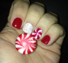 Holiday peppermint glitter gel manicure #nails #nailart #peppermint #holiday #christmas #glitter