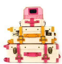 love this luggage! i need a vaycay!