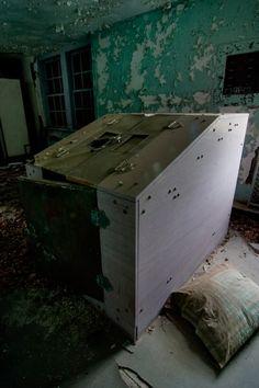 Verden Psychiatric Hospital: Fever Cabinet