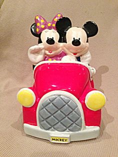 Collectible Disney Houston Harvest Mickey And Minnie In Car Cookie Jar