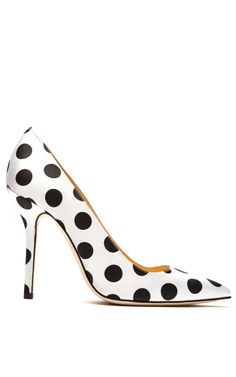 Must have polka dot pumps!! Mimi Pump by Oscar de La Renta Now Available on Moda Operandi