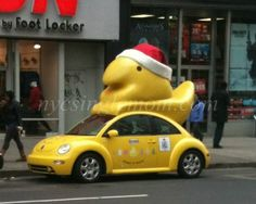 Christmas Peeps on top of VW Beetle driving around NYC!! :)