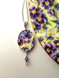 Broken china jewelry pendant necklace