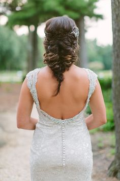 lose fishtail braid with a classic look - photo by http://www.ashleighjayne.com - http://ruffledblog.com/green-autumn-wedding-inspiration/