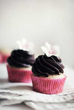 lovely chai cupcakes.