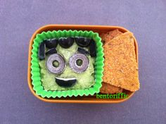 Frankenstein @eatwholly Wholly Guacamole bento snack by bentoriffic for Halloween.