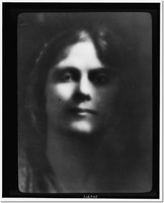 Google Image Result for http://prints.encore-editions.com/0/500/portrait-photograph-of-isadora-duncan.jpg