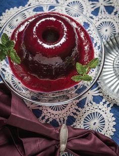 Sweet Paul Magazine - Vintage Inspired Holiday Dinner 1947 - Cranberry Aspic  #thanksgiving - new traditions for an old jelly can + Julia Child. LOVE IT! One day when I have time, I'm gonna make this with @Louanne Nommay Phengrasamy