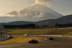 AMG Advanced-Training experienced driving performance in Japan. Mount Fuji is a pretty magnificent backdrop, wouldn't you say?