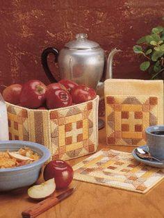 kitchen trio, patchwork kitchen, kitchen accessories, plastic canva