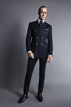 Very Fitted Double Breasted Navy Wool Suit. Men's Fall Winter Fashion.