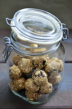 Easy no bake granola balls make healthy snacks for the whole family.