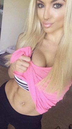 Lindsey Pelas
