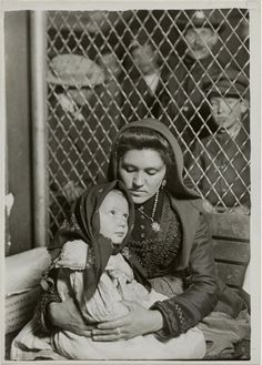 Lewis W. Hine. Italian Mother and Child, Ellis Island, New York, 1905