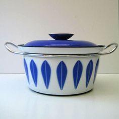 blue catherineholm pot.