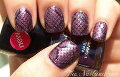 LOVIN this super chic purple Snakeskin nails..take 2 mani..via The Nailasaurus ღ❤ღ