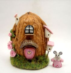 Micro fantasy house in a walnut shell - furnished with tiny mouse BY LORY