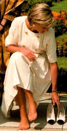 Princess Di barefoot