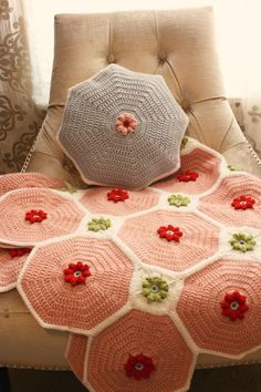 crochet flower patch quilt pattern via the stitch house