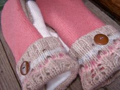 make mittens from sweaters