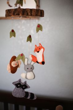 Woodland Animal Felt Mobile :: Boy Nursery Ideas :: Woodland Creatures :: Woodland Nursery :: Fox Mobile :: Crib Mobile :: Forest Crib Mobile :: Nursery Ideas :: Felt Fox :: Felt Racoon :: Handmade Mobile :: Spindle Life