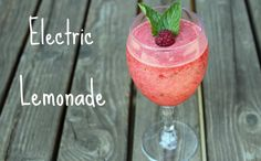 Electric Lemonade Recipe! You'll love this delicious mix of raspberries, lemon, sprite + more! #lemonade #recipes