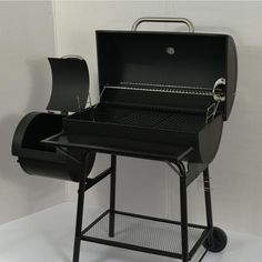 """""""We used it for a 4th of July cookout, and the cooking service was plentiful to cook a number of items (hot dogs, sliders, ribs, corn on the cob, kabobs)."""" -Home Depot customer Kelley"""