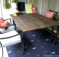 Emily of 52 Mantels personalized her outdoor rug with painted stencils. It's easy to do and so cute! || @emorgenstern
