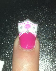 Crown nail cute art do not like the wide tips