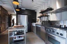 Maison Conteneur - Container House industrial kitchen