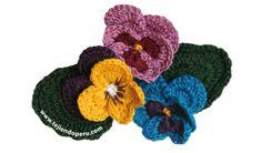 tutorial: flores de Pensamientos o Pansys tejidas a crochet!