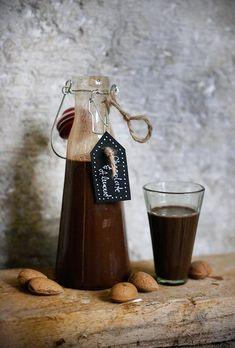 cocoa + almond lique