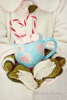 I <3 cute hot cocoa! :) #hot_chocolate #hot_cocoa #Christmas #candy_cane #pink #cute #food #winter