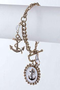 Nautical chic. Love it <3