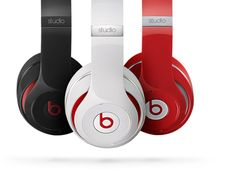 Eminem Stars In A New Beastie Boys-esque Commercial For #NewBeatsStudio Headphones [video]