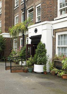 Guinness Trust estate, Kings Road, Chelsea, London