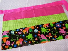 Classroom Apron- Frogs (pink & green) via Etsy