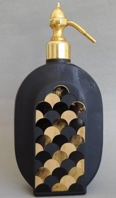 Art Decó onyx glass perfume bottle made in France.