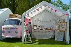 Craft Fair Booth Idea with Bunting