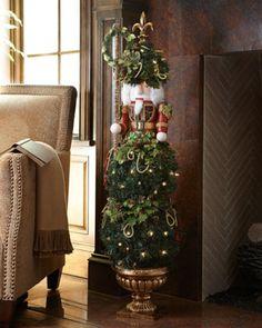 christma stuff, christma crazi, nutcrack topiari, christma tree, christma decor
