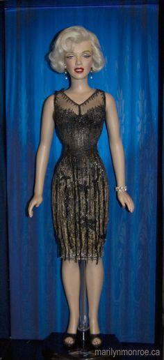 Marilyn Monroe dolls.
