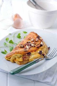 Apple Cheddar Pie Omelette